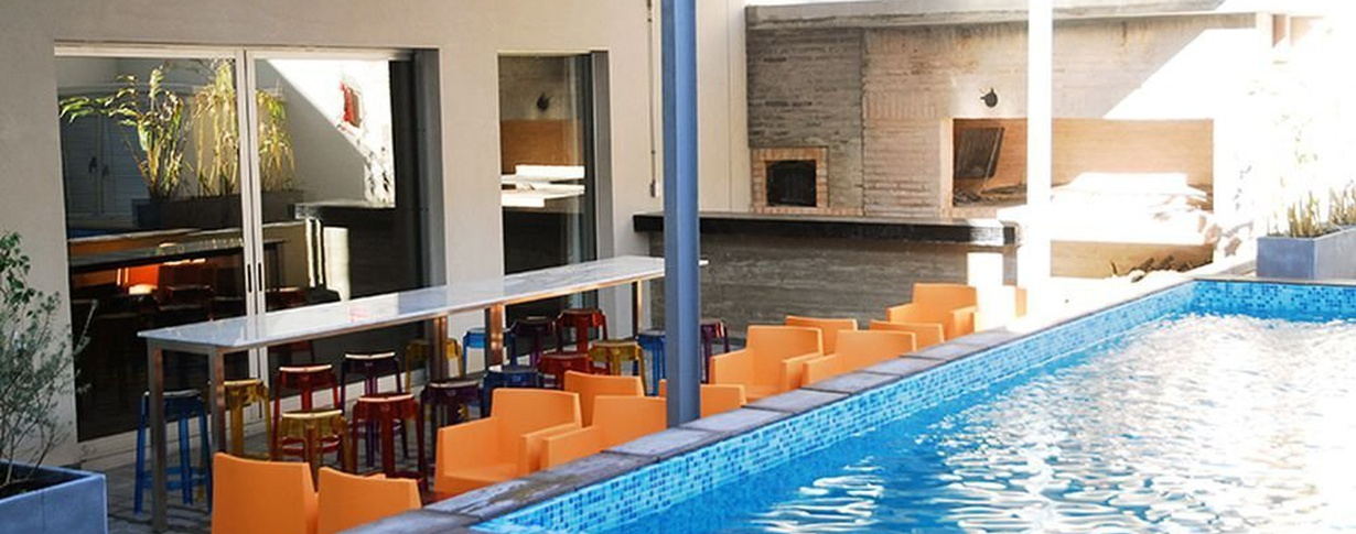 Pool Regency Way Montevideo Hotel en Montevideo