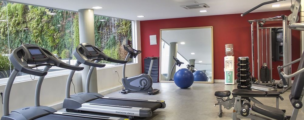 Gym Regency Way Montevideo Hotel en Montevideo