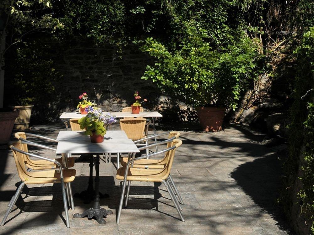 Regency suites boutique hotel photos official website - Patio ingles ...